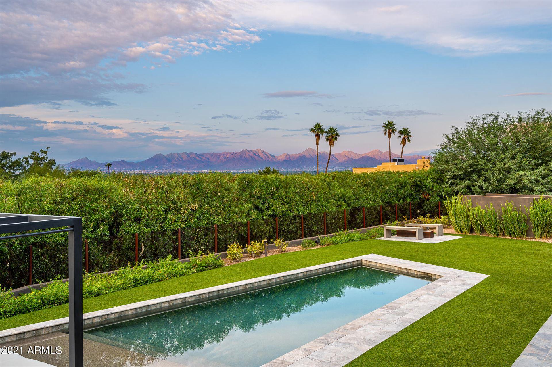 Photo of 4700 E CHARLES Drive, Paradise Valley, AZ 85253 (MLS # 6305716)