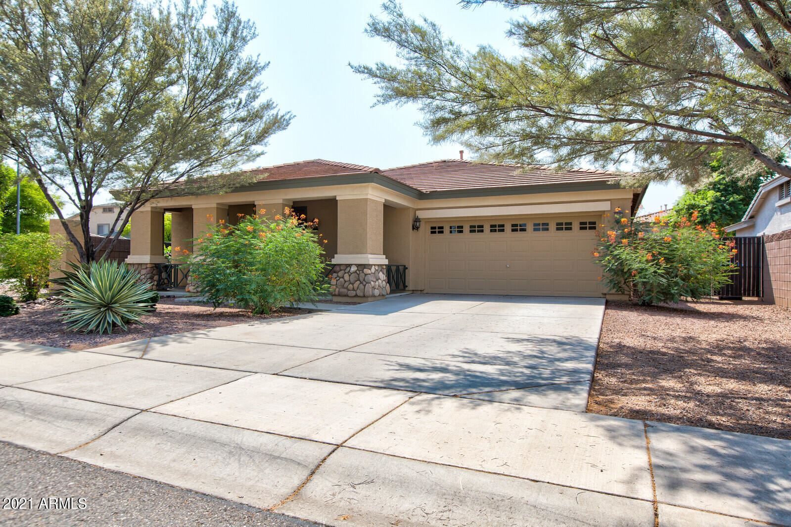 Photo of 13755 W MONTEREY Way, Avondale, AZ 85392 (MLS # 6294720)