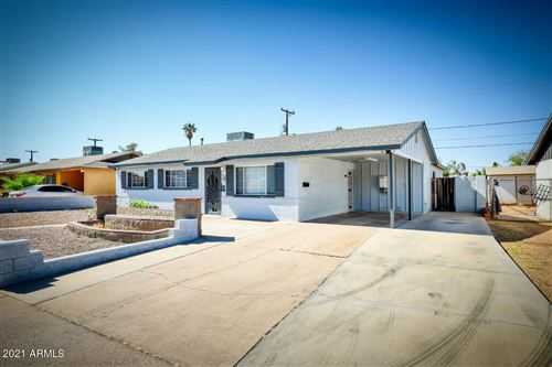 Photo of 1701 W Bentley Street, Mesa, AZ 85201 (MLS # 6244726)