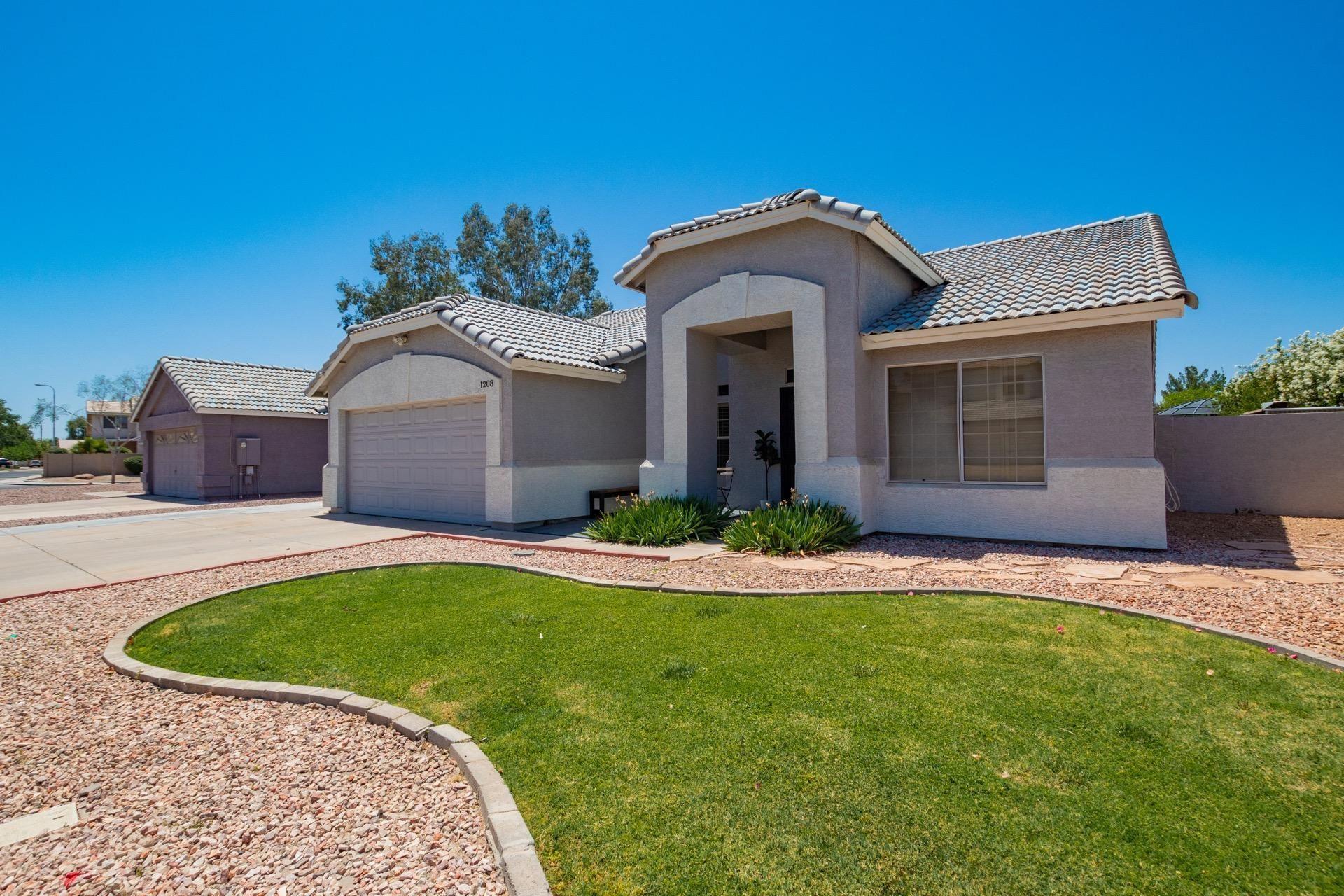 Photo of 1208 N NEWPORT Street, Chandler, AZ 85225 (MLS # 6233732)