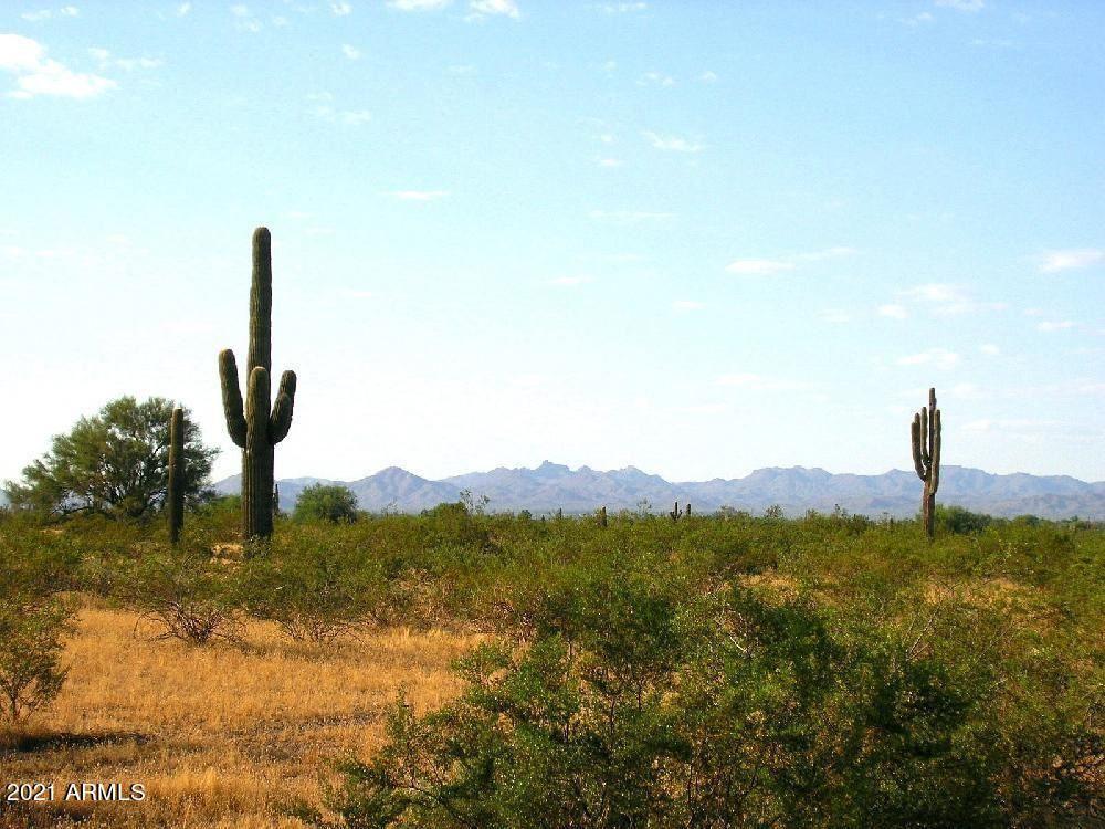 Photo of 21100 W WILDCAT Drive, Wittmann, AZ 85361 (MLS # 6200734)