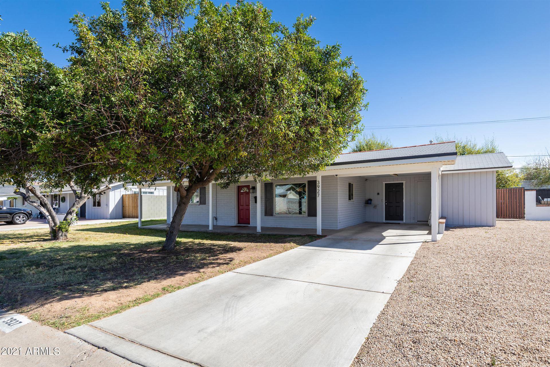 Photo of 3927 N 43RD Street, Phoenix, AZ 85018 (MLS # 6200736)