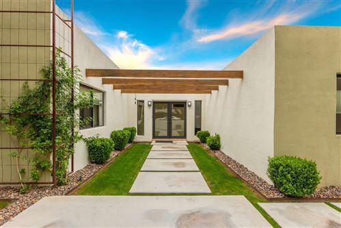 Photo of 1546 W GRISWOLD Road, Phoenix, AZ 85021 (MLS # 6108744)