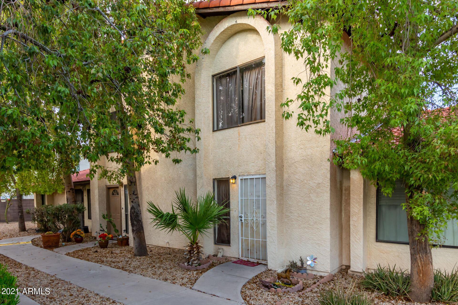 Photo of 2438 E TRACY Lane #2, Phoenix, AZ 85032 (MLS # 6307746)
