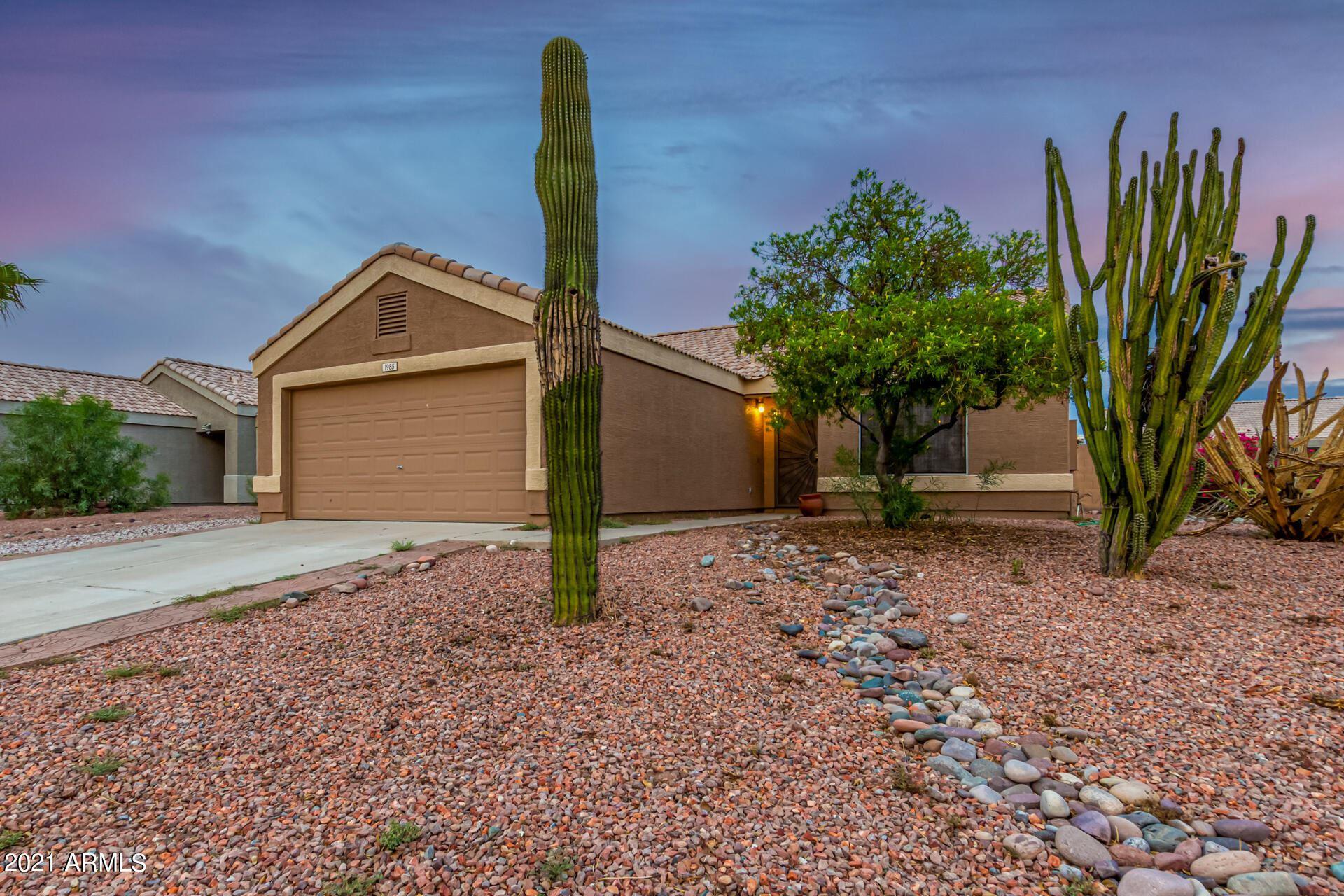 Photo of 1985 S RENNICK Drive, Apache Junction, AZ 85120 (MLS # 6268747)