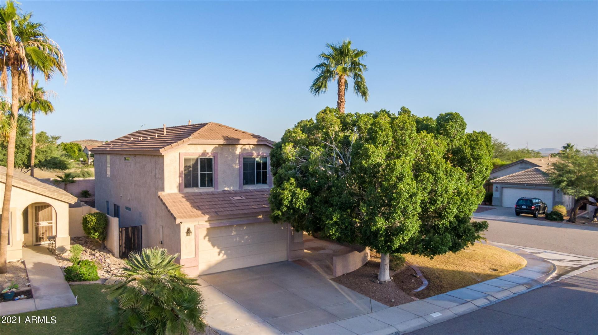 Photo of 16005 S 17TH Drive, Phoenix, AZ 85045 (MLS # 6307751)
