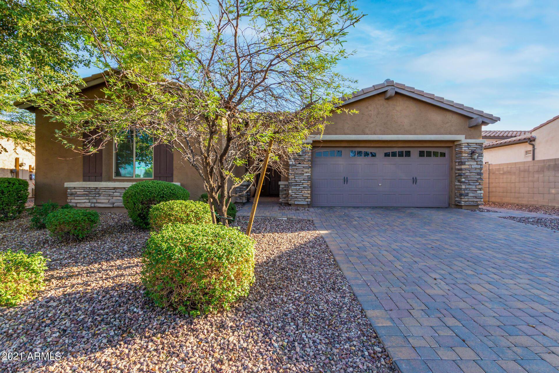 Photo of 14313 W ALMERIA Road, Goodyear, AZ 85395 (MLS # 6295752)