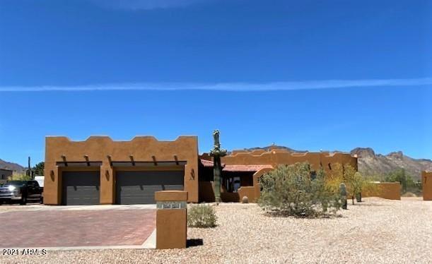Photo of 2242 W MCKELLIPS Boulevard, Apache Junction, AZ 85120 (MLS # 6227754)