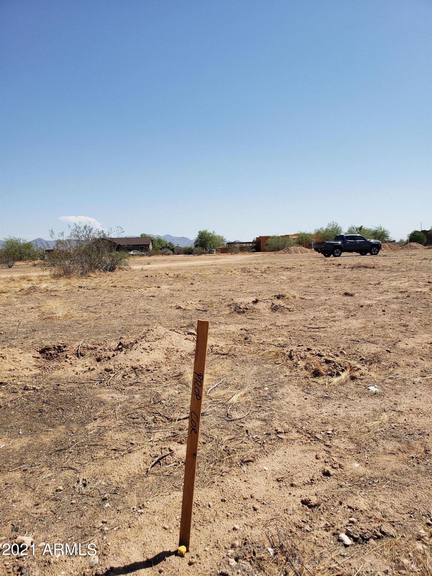 Photo of 251000 W PATTON Road, Wittmann, AZ 85361 (MLS # 6285762)