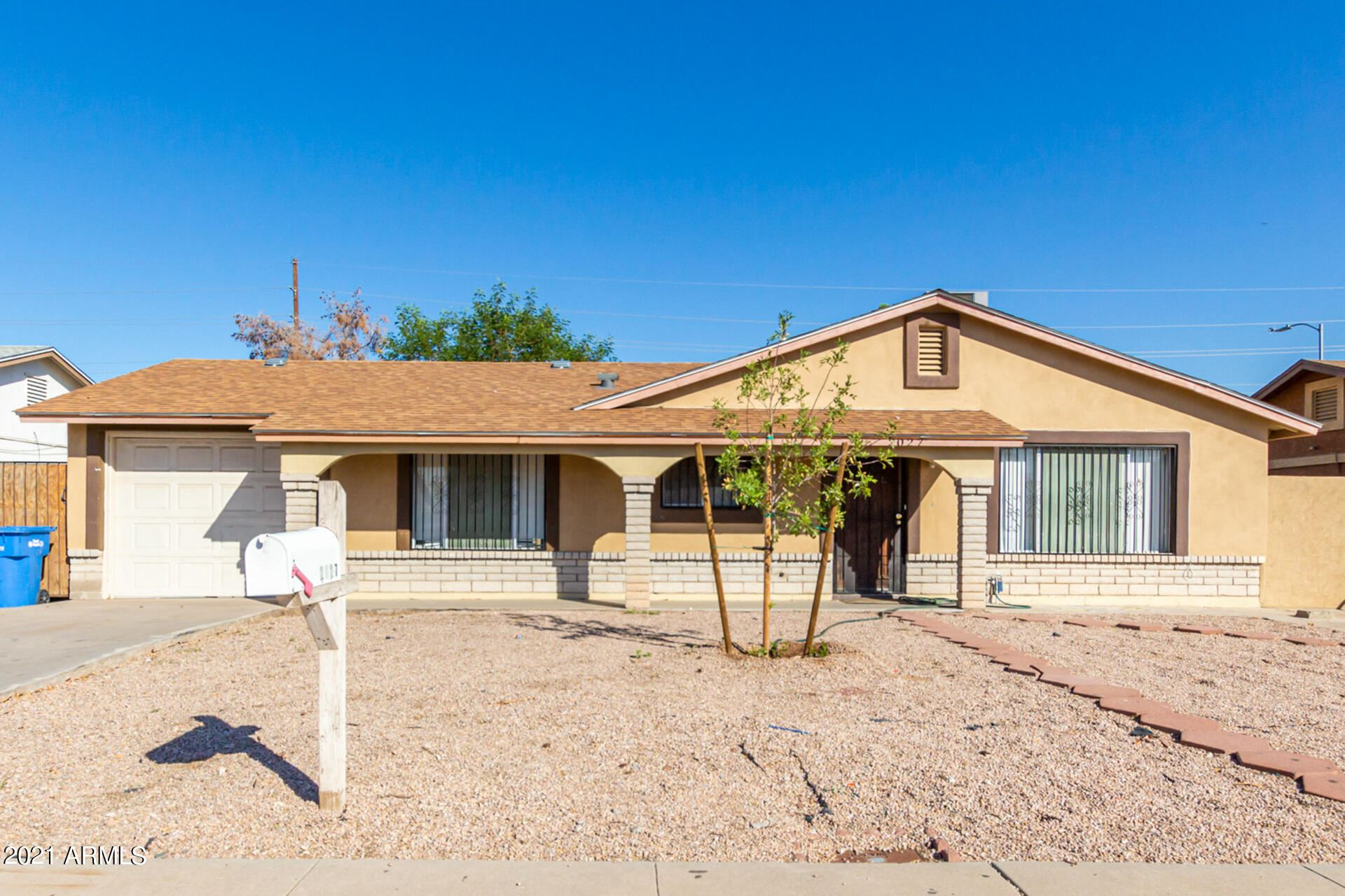 Photo of 2027 N 51ST Drive, Phoenix, AZ 85035 (MLS # 6307765)