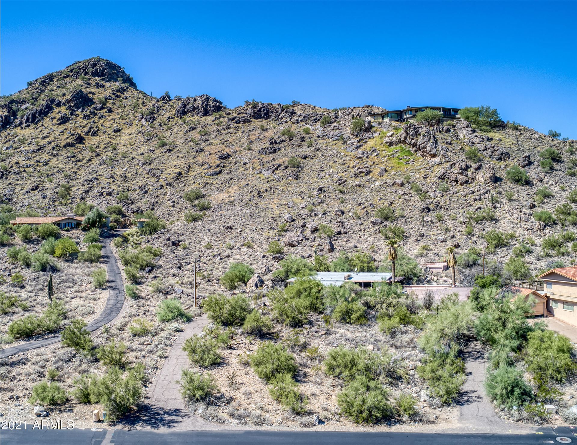 Photo of 7720 N FOOTHILL Drive S, Paradise Valley, AZ 85253 (MLS # 6305770)