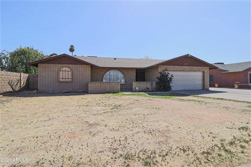 Photo of 4325 W MOUNTAIN VIEW Road, Glendale, AZ 85302 (MLS # 6193777)