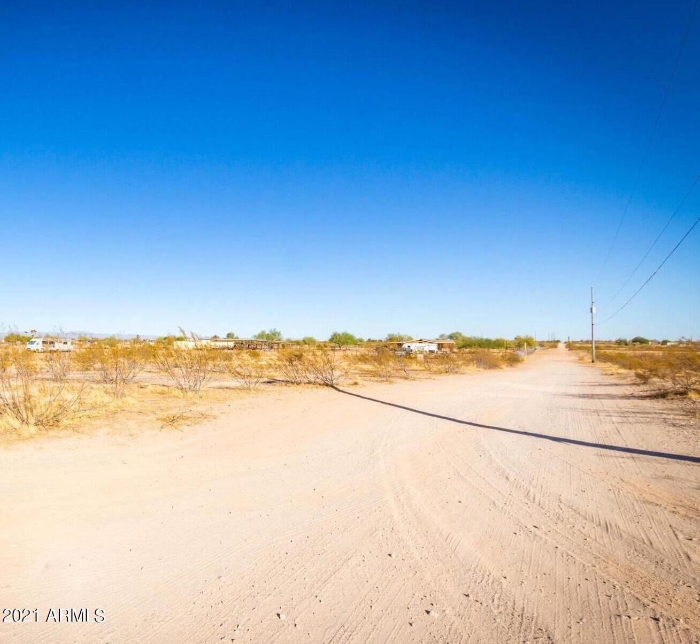 Photo of 30307 W Patton Road, Wittmann, AZ 85361 (MLS # 6301777)