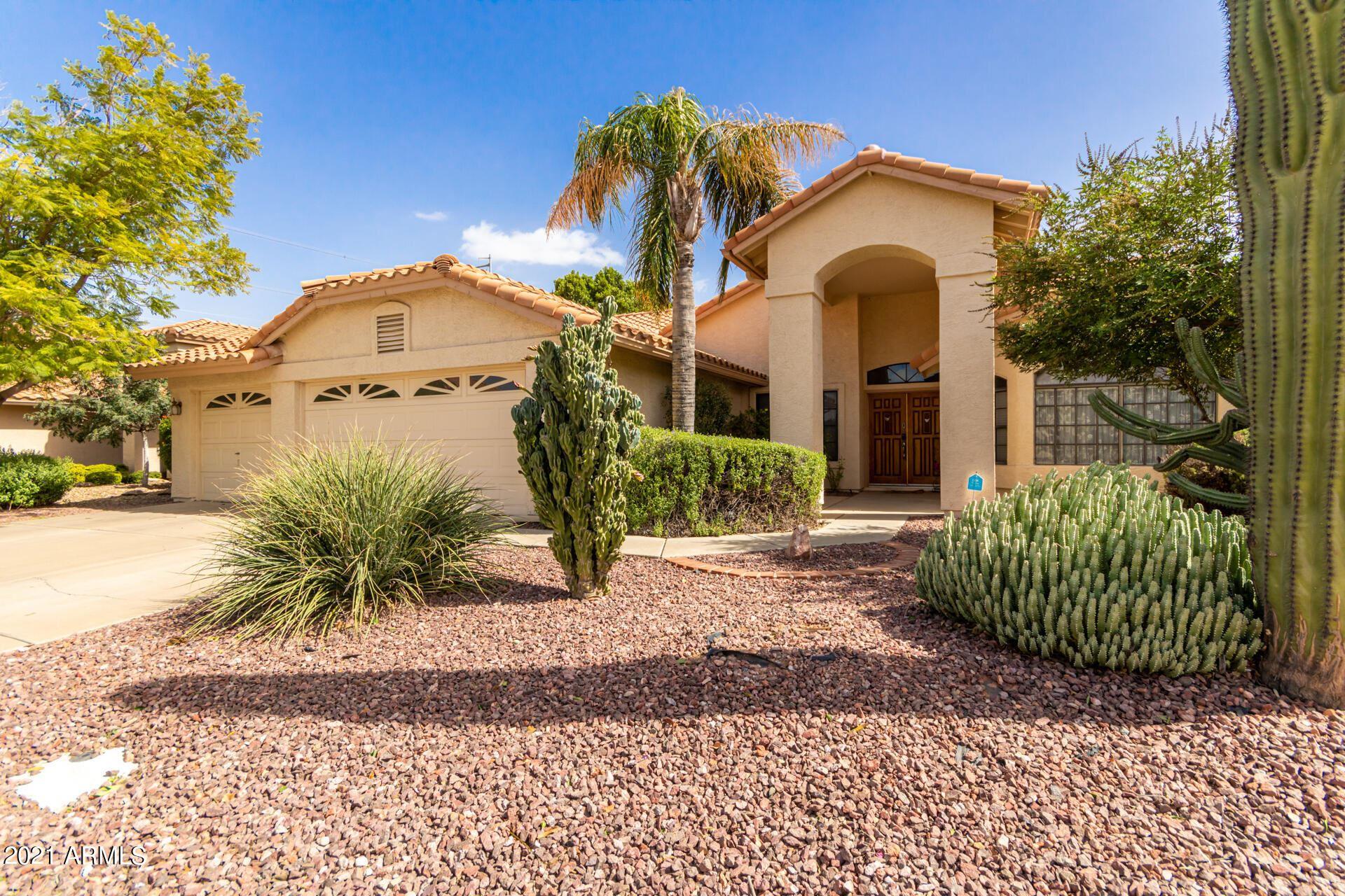 Photo of 319 N RIATA Street, Gilbert, AZ 85234 (MLS # 6307780)