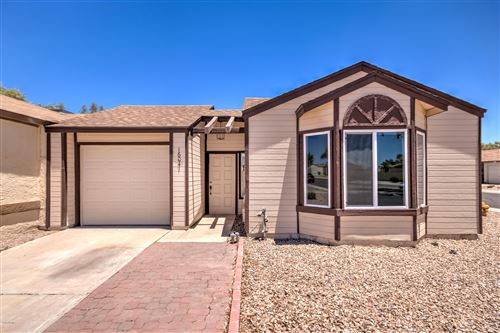 Photo of 16041 S CATALINA Street, Chandler, AZ 85225 (MLS # 6135781)