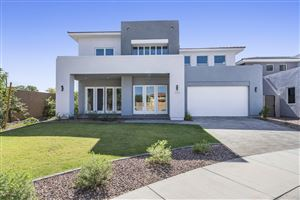 Photo of 2944 S SANDSTONE Court, Gilbert, AZ 85295 (MLS # 5975793)