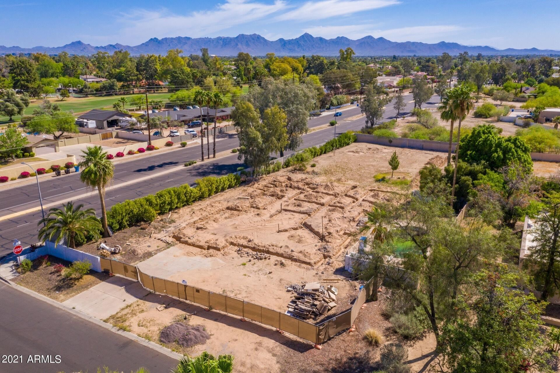 Photo of 10441 N 57TH Street, Paradise Valley, AZ 85253 (MLS # 6264793)