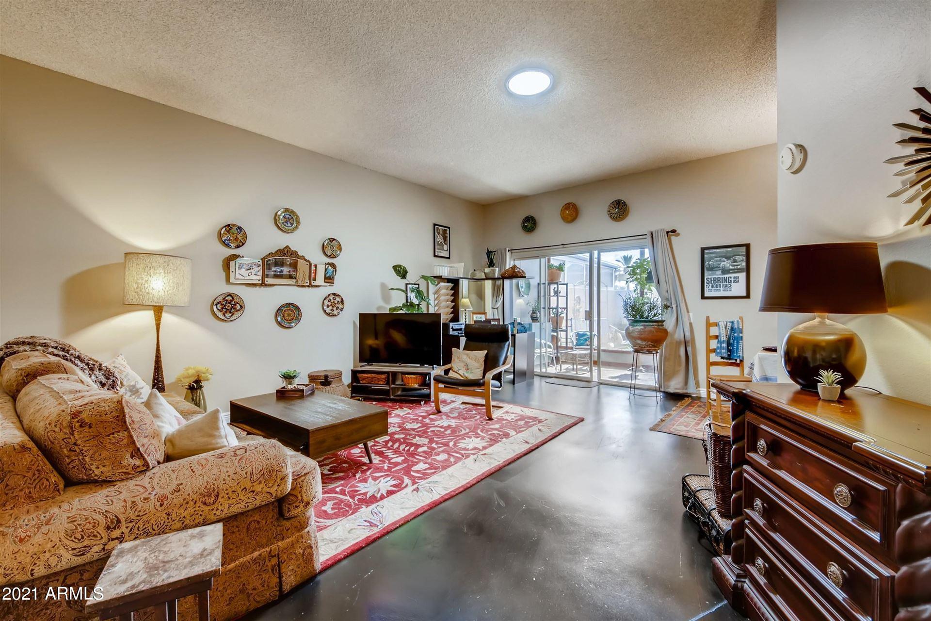 Photo of 11079 W COGGINS Drive, Sun City, AZ 85351 (MLS # 6267794)