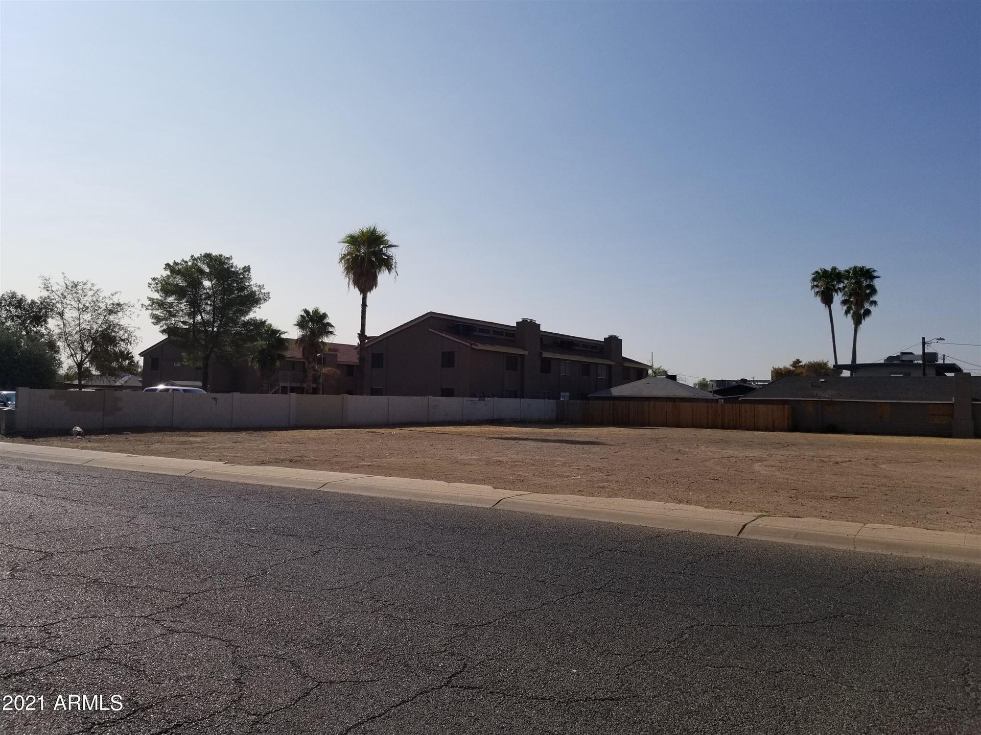 Photo of 7155 N 53rd Avenue, Glendale, AZ 85301 (MLS # 6200800)