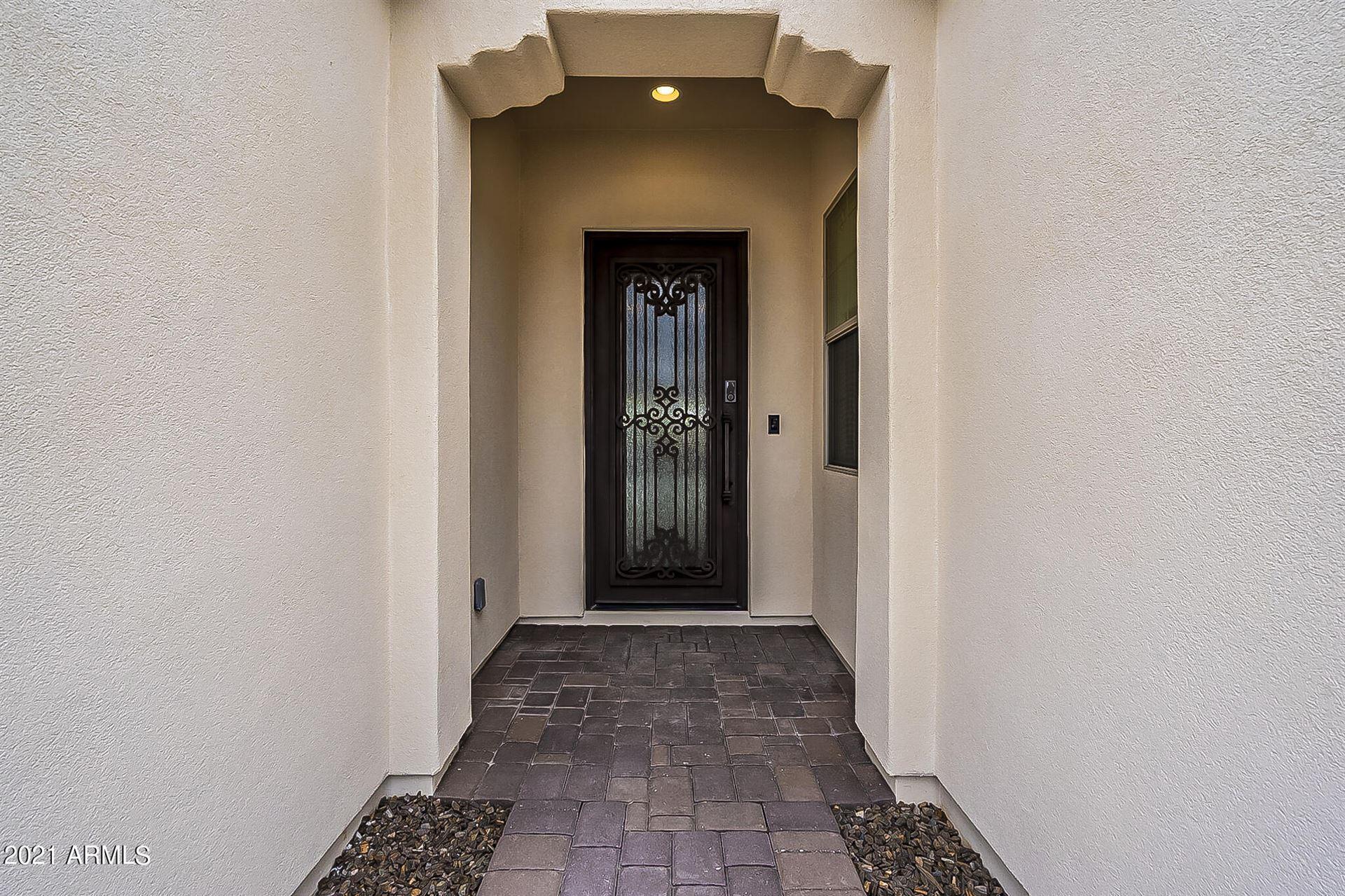 Photo of 111 E SANTA LUCIA Lane, Queen Creek, AZ 85140 (MLS # 6295801)