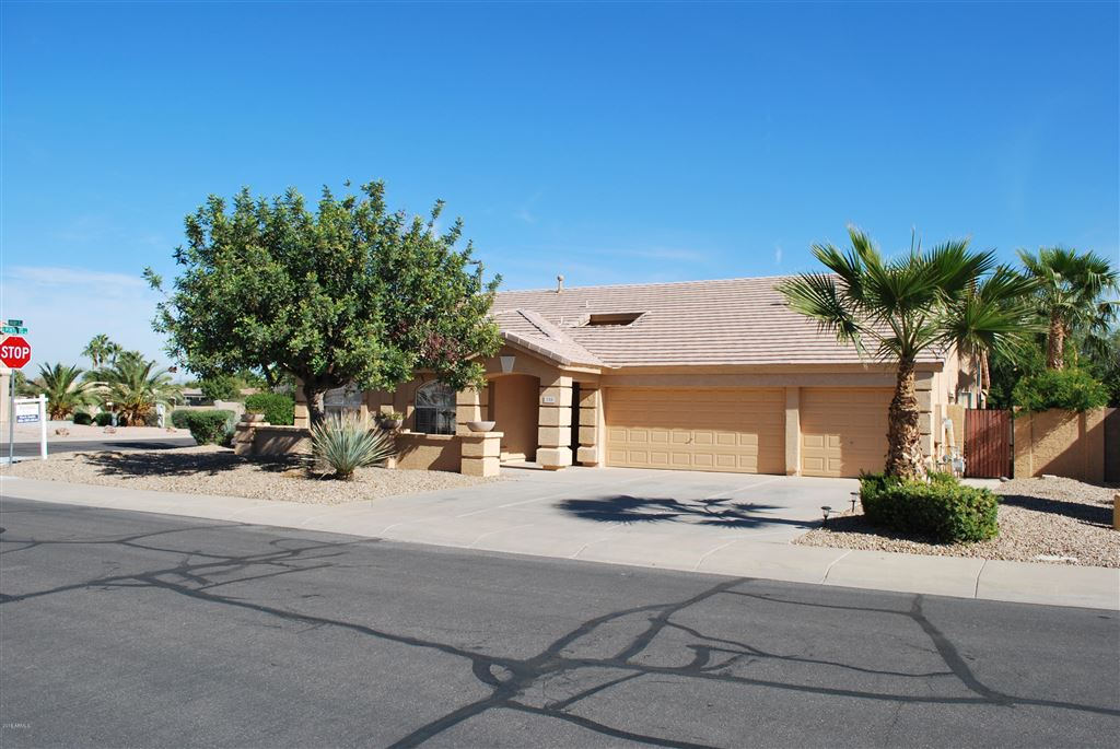 Photo for 735 S RUBY Place, Gilbert, AZ 85296 (MLS # 5844808)