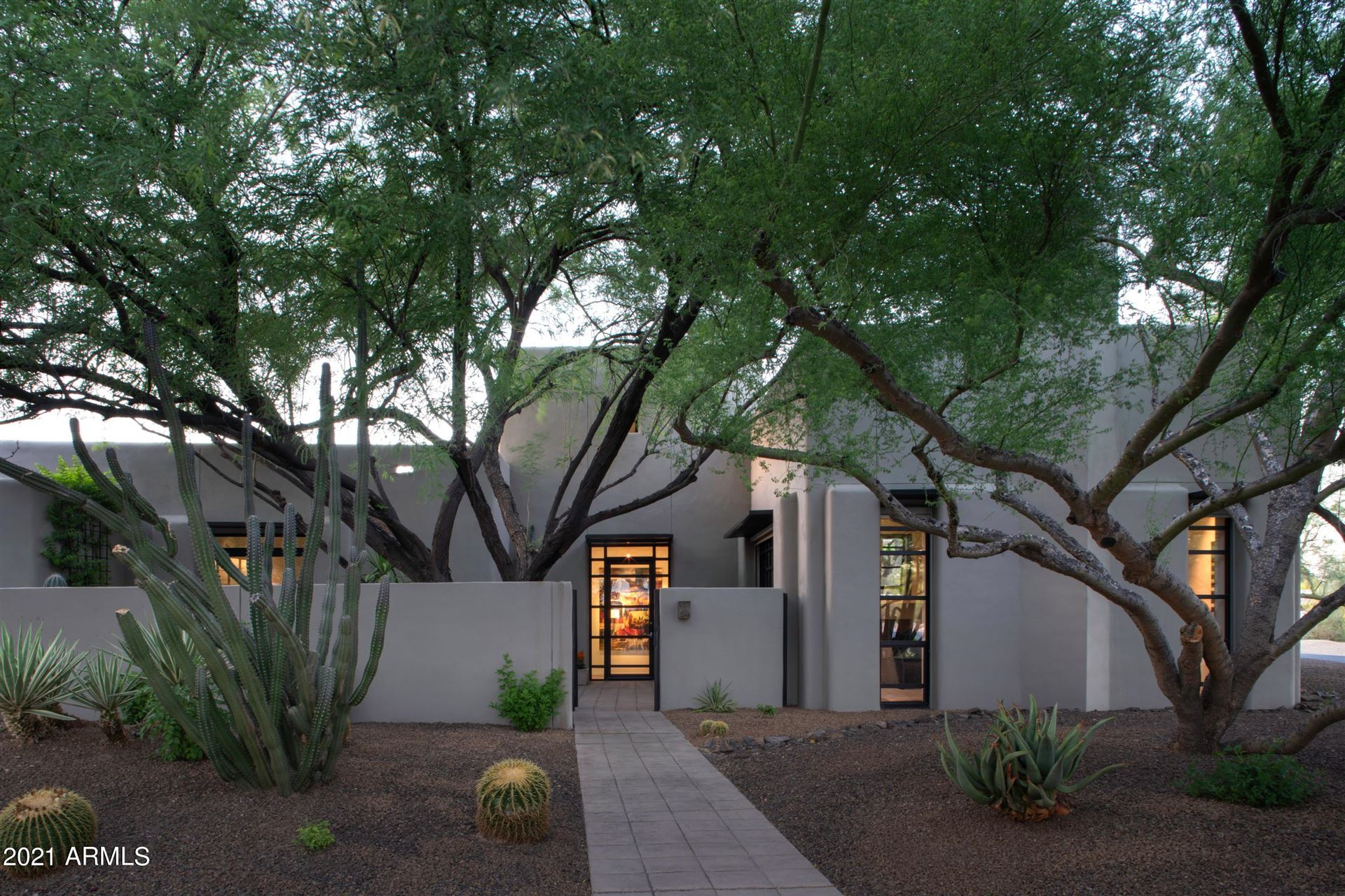 Photo of 7824 N 65TH Street, Paradise Valley, AZ 85253 (MLS # 6227810)