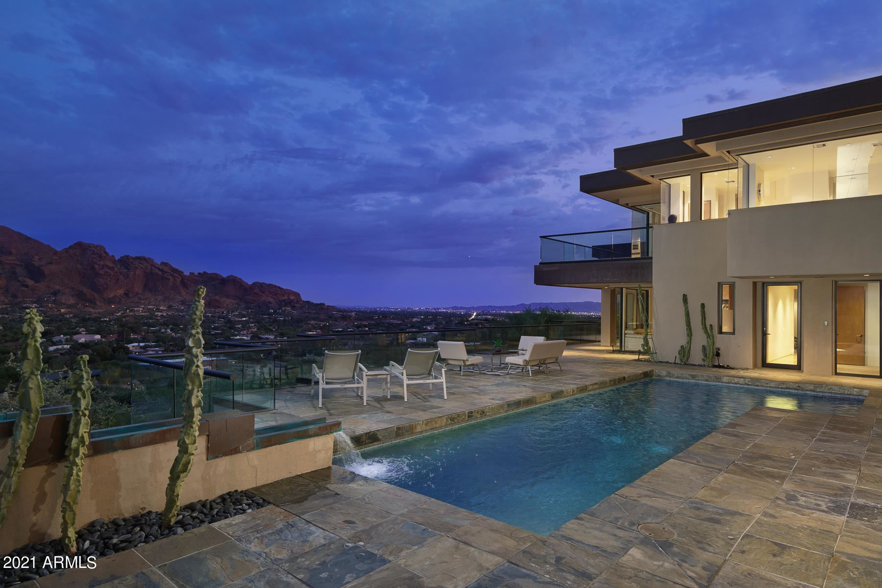 Photo of 6901 N HIGHLANDS Road, Paradise Valley, AZ 85253 (MLS # 6266810)