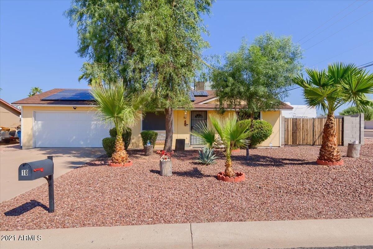 Photo of 10 W 14TH Avenue, Apache Junction, AZ 85120 (MLS # 6284821)