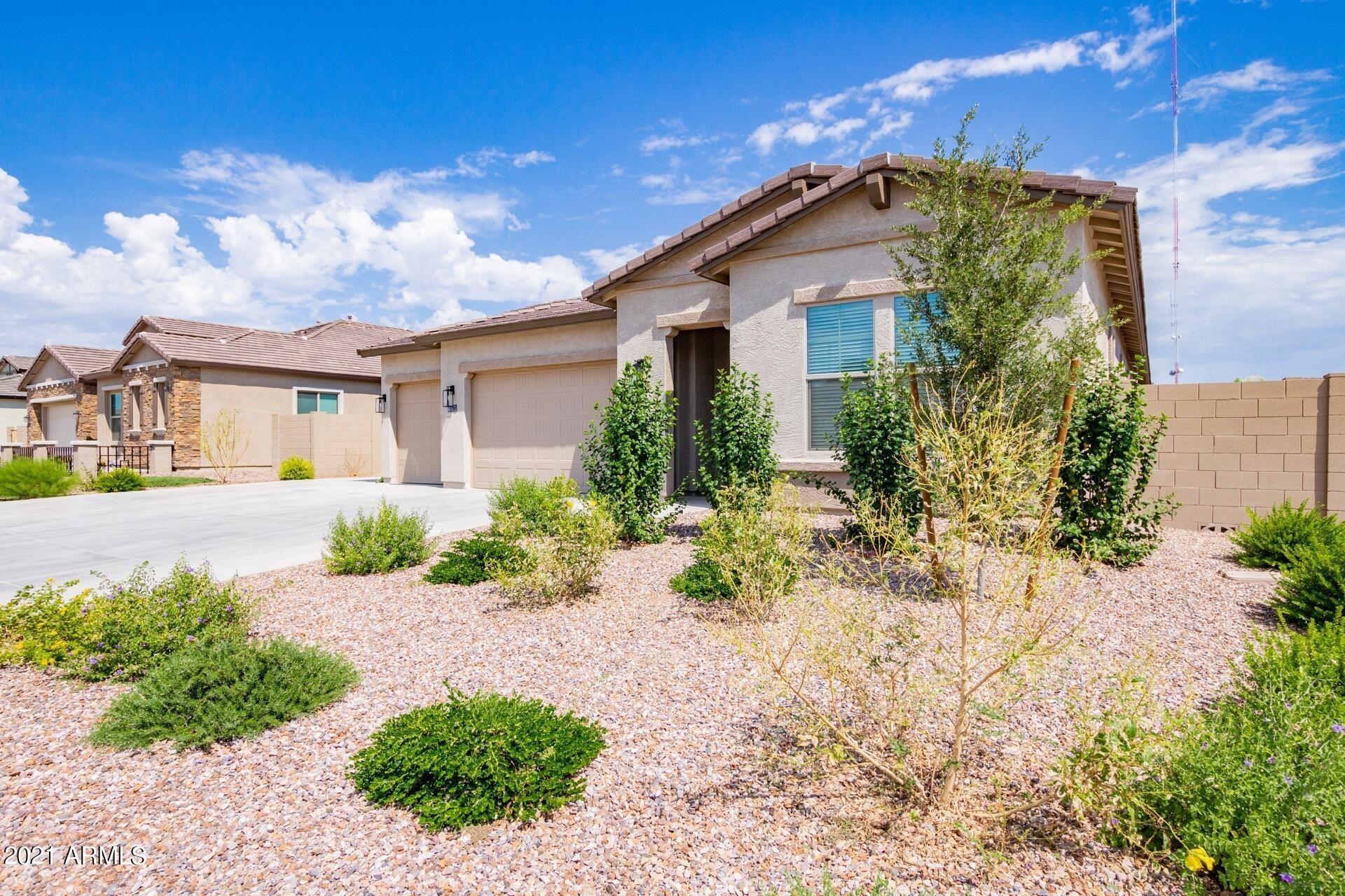 Photo of 40571 N BARRED Place, San Tan Valley, AZ 85140 (MLS # 6295826)