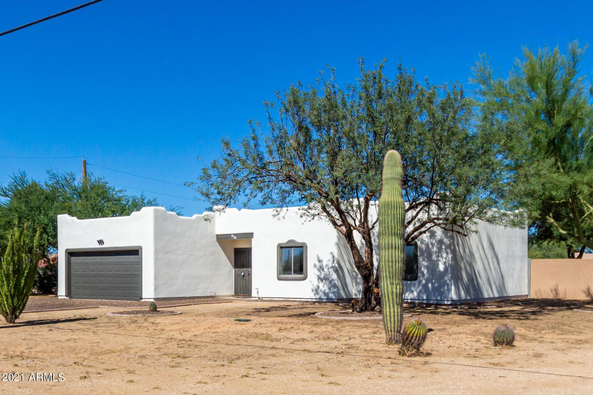 Photo of 820 E MADDOCK Road, Phoenix, AZ 85086 (MLS # 6307829)