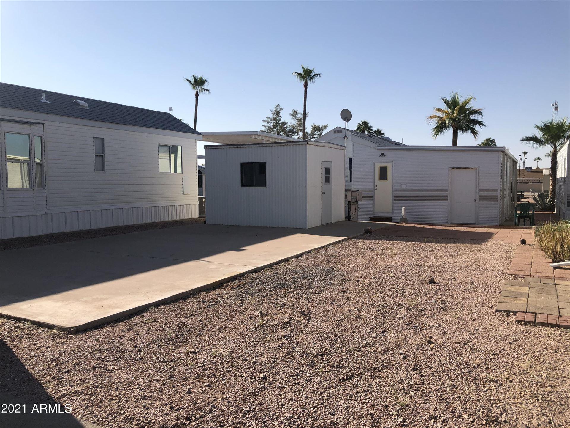 Photo of 319 S EMERALD Drive, Apache Junction, AZ 85120 (MLS # 6292832)