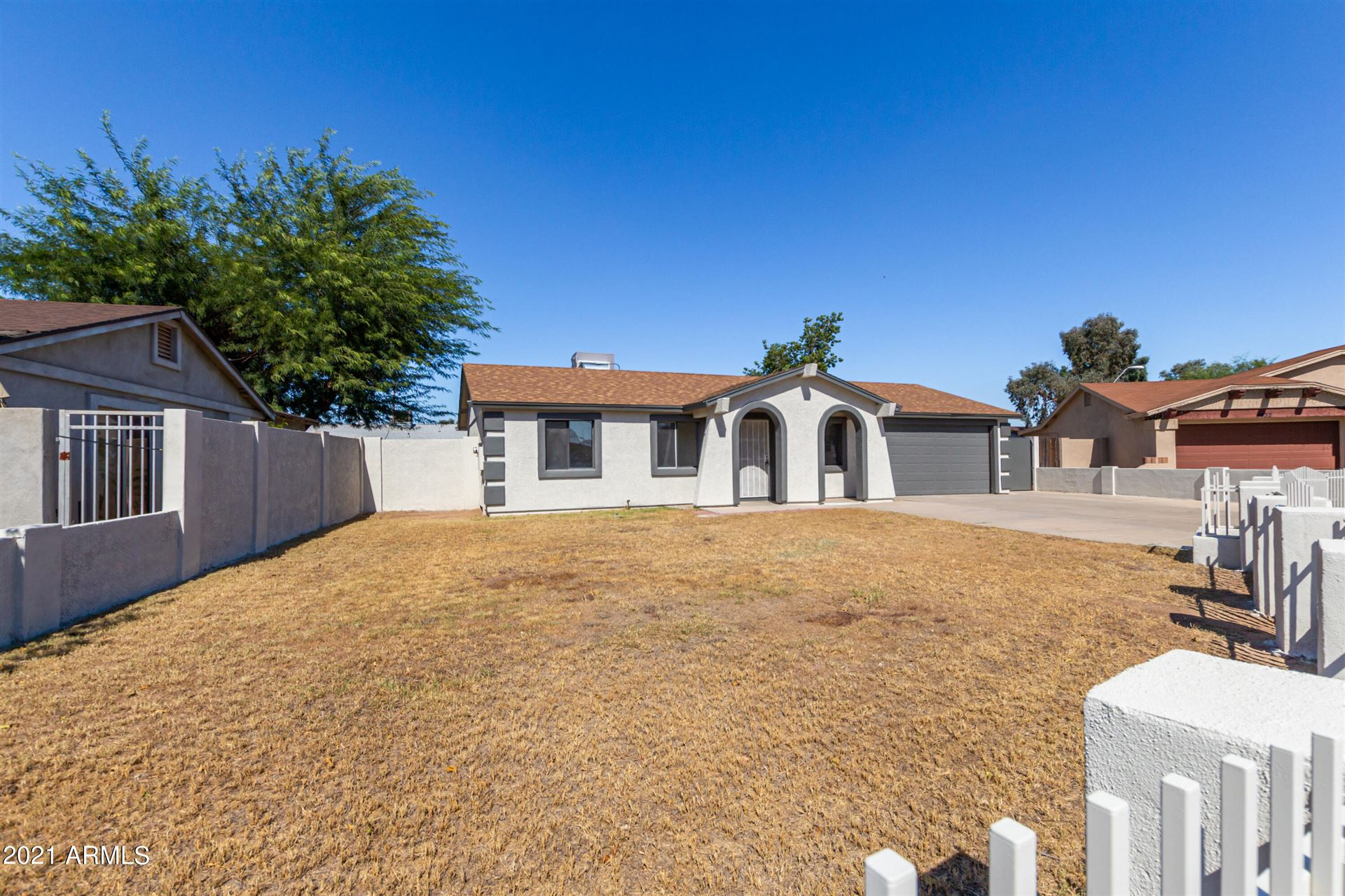 Photo of 6936 W MERRELL Street, Phoenix, AZ 85033 (MLS # 6307841)