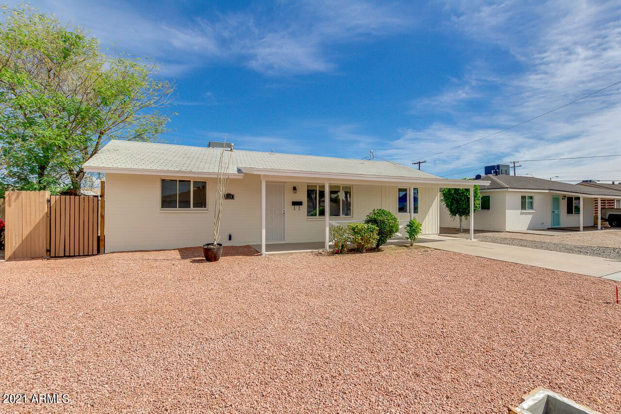 Photo of 11114 W MISSOURI Avenue, Youngtown, AZ 85363 (MLS # 6165845)