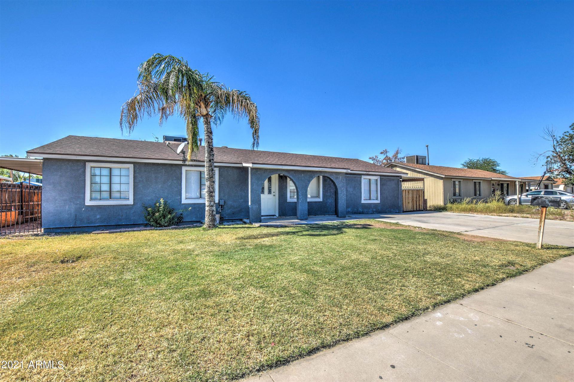 Photo of 2520 N 61ST Avenue, Phoenix, AZ 85035 (MLS # 6307845)