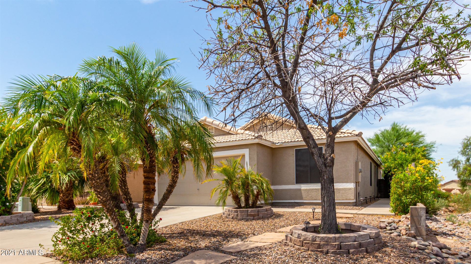 Photo of 2074 S LAWTHER Drive, Apache Junction, AZ 85120 (MLS # 6263849)