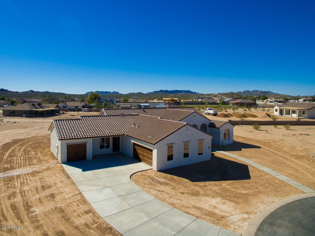 Photo of 273 W DUNDY Street, San Tan Valley, AZ 85143 (MLS # 6200860)