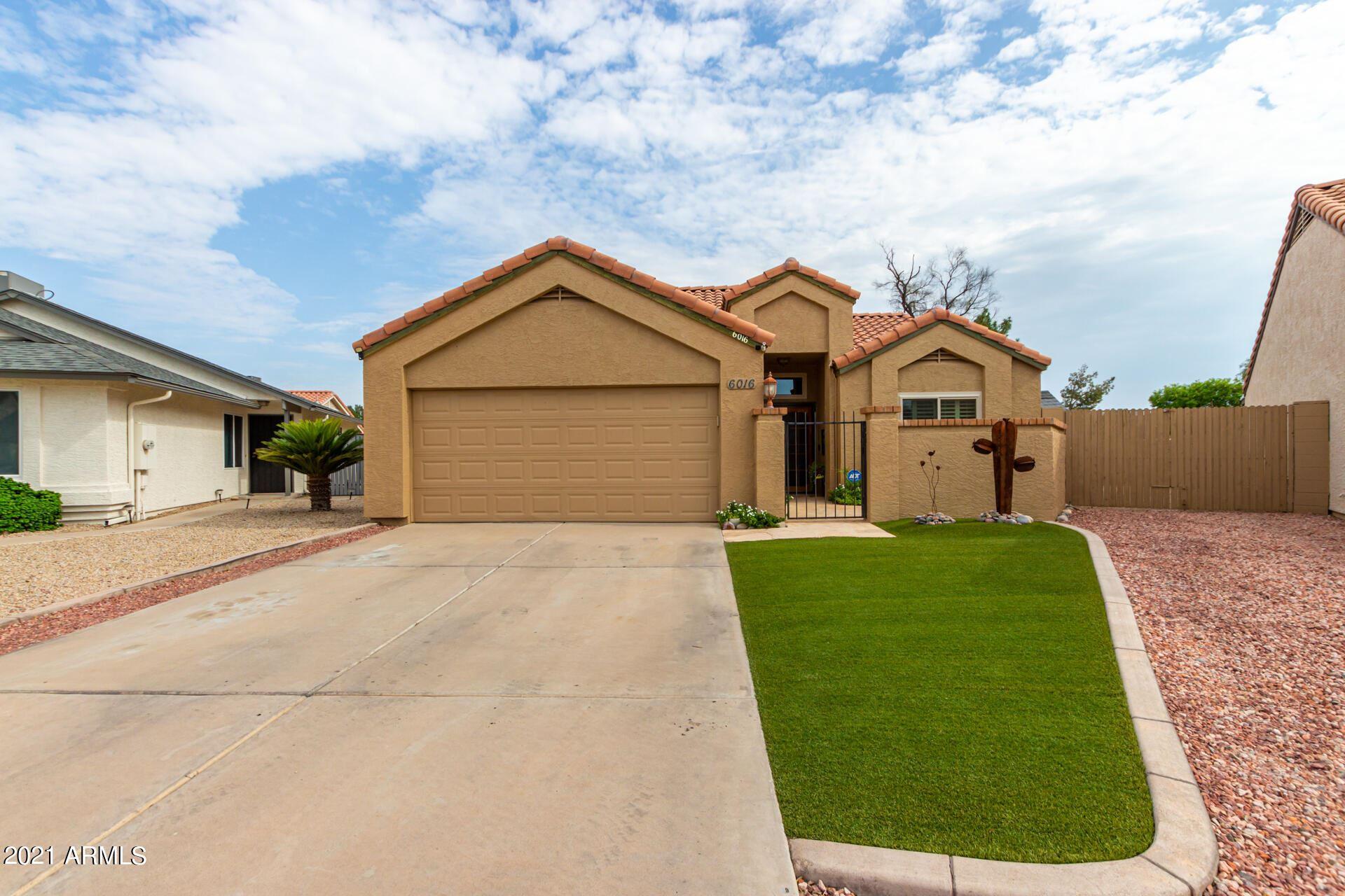 Photo of 6016 W SHANGRI LA Road, Glendale, AZ 85304 (MLS # 6295868)