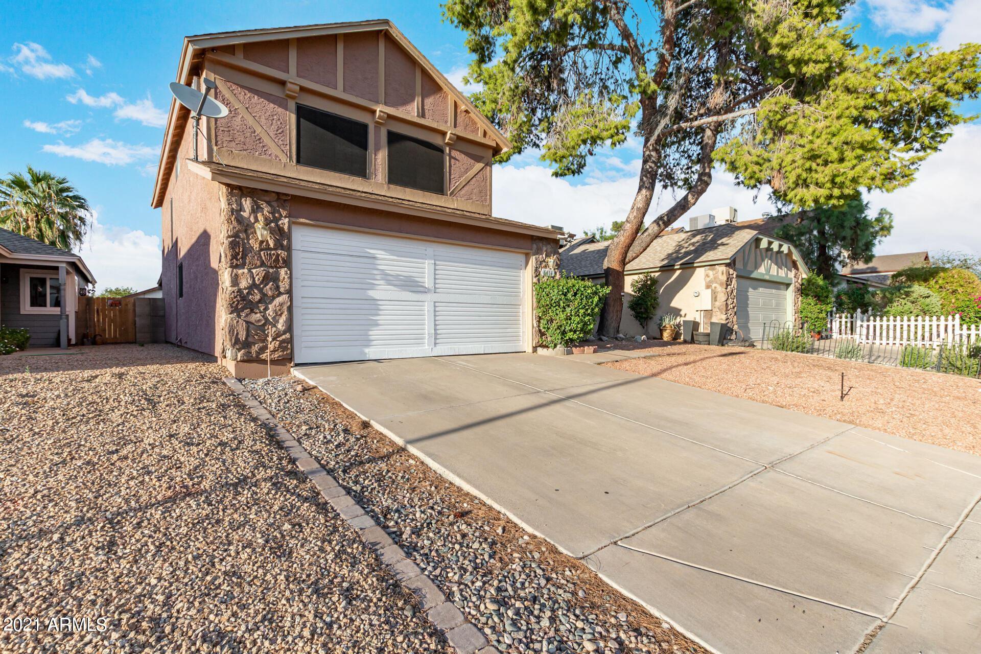 Photo of 6414 W MERCER Lane, Glendale, AZ 85304 (MLS # 6290874)