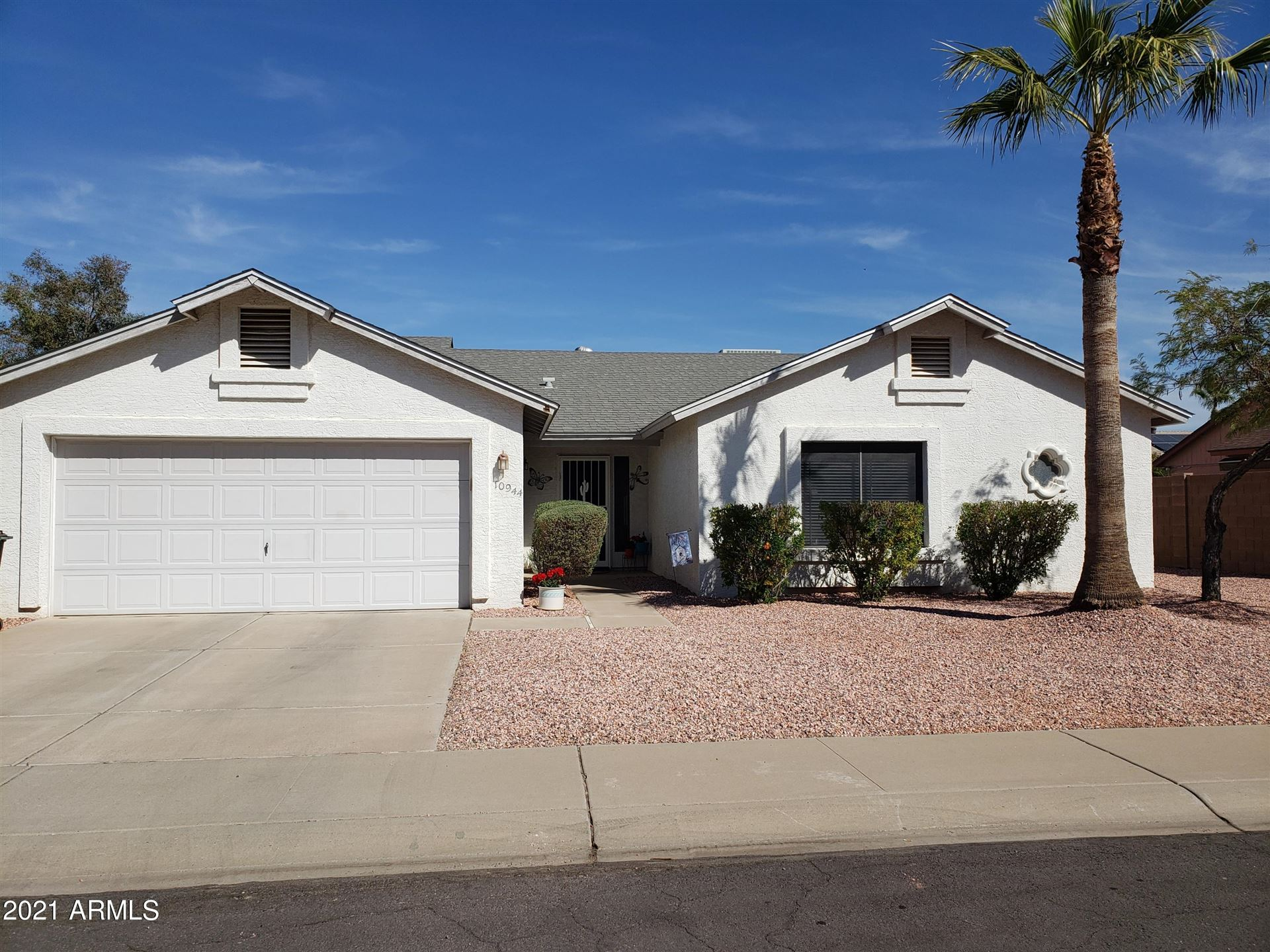 Photo of 10944 W Lawrence Lane, Peoria, AZ 85345 (MLS # 6198876)