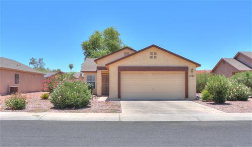 Photo of 1727 E SANDALWOOD Road, Casa Grande, AZ 85122 (MLS # 6099882)