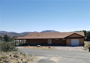 Photo of 18506 S COUNTRY CLUB Drive, Peeples Valley, AZ 86332 (MLS # 5903889)