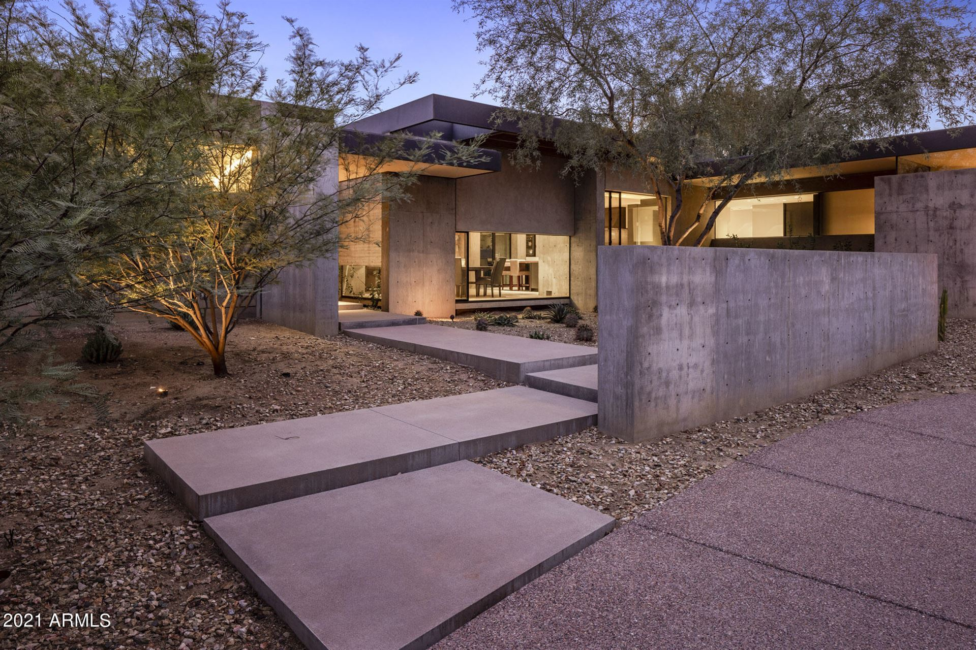 Photo of 8502 N 59th Place, Paradise Valley, AZ 85253 (MLS # 6303890)