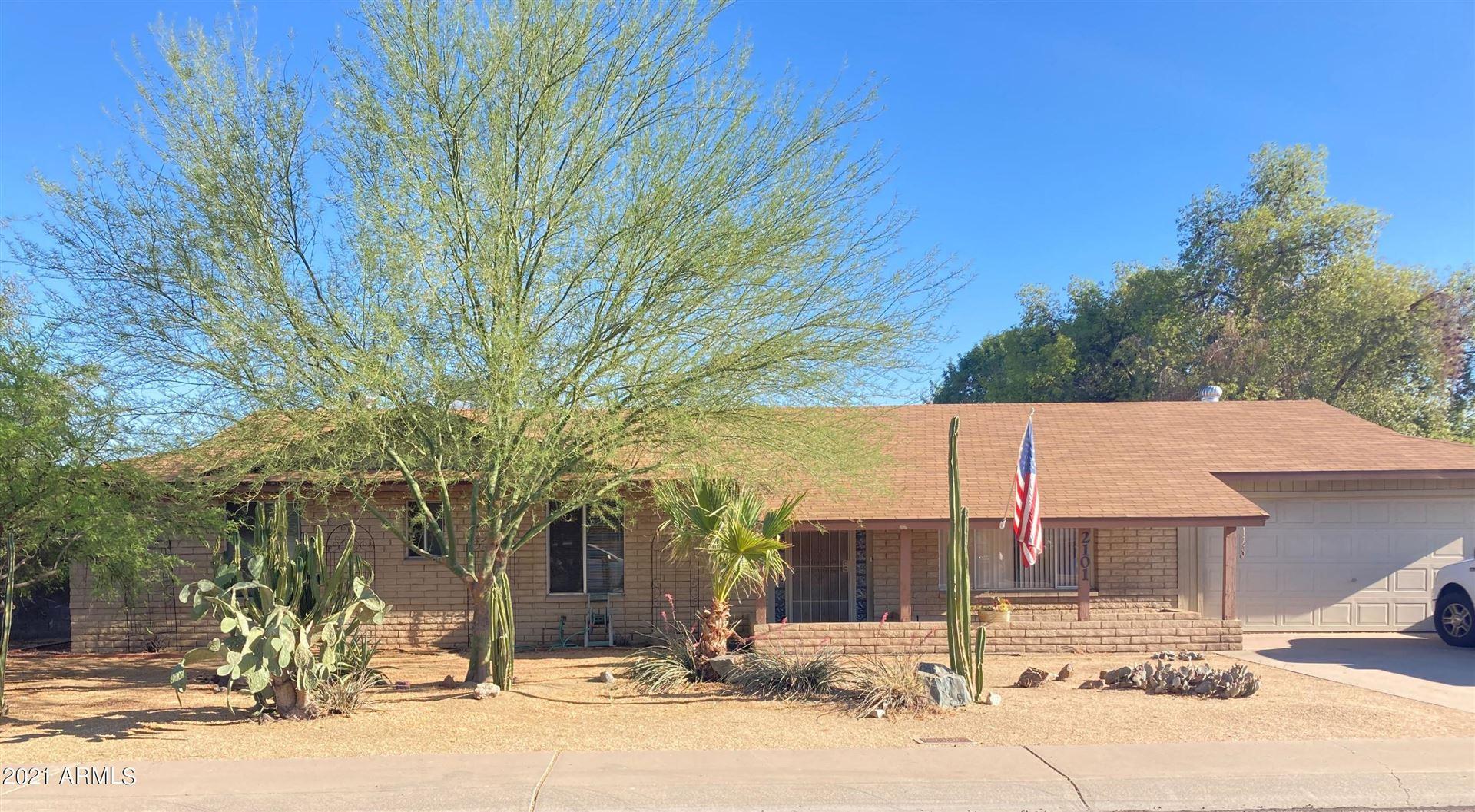 Photo of 2101 W JULIE Circle, Phoenix, AZ 85027 (MLS # 6242894)