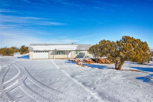Photo of 2596 ELK RUN Loop, Show Low, AZ 85901 (MLS # 6020895)
