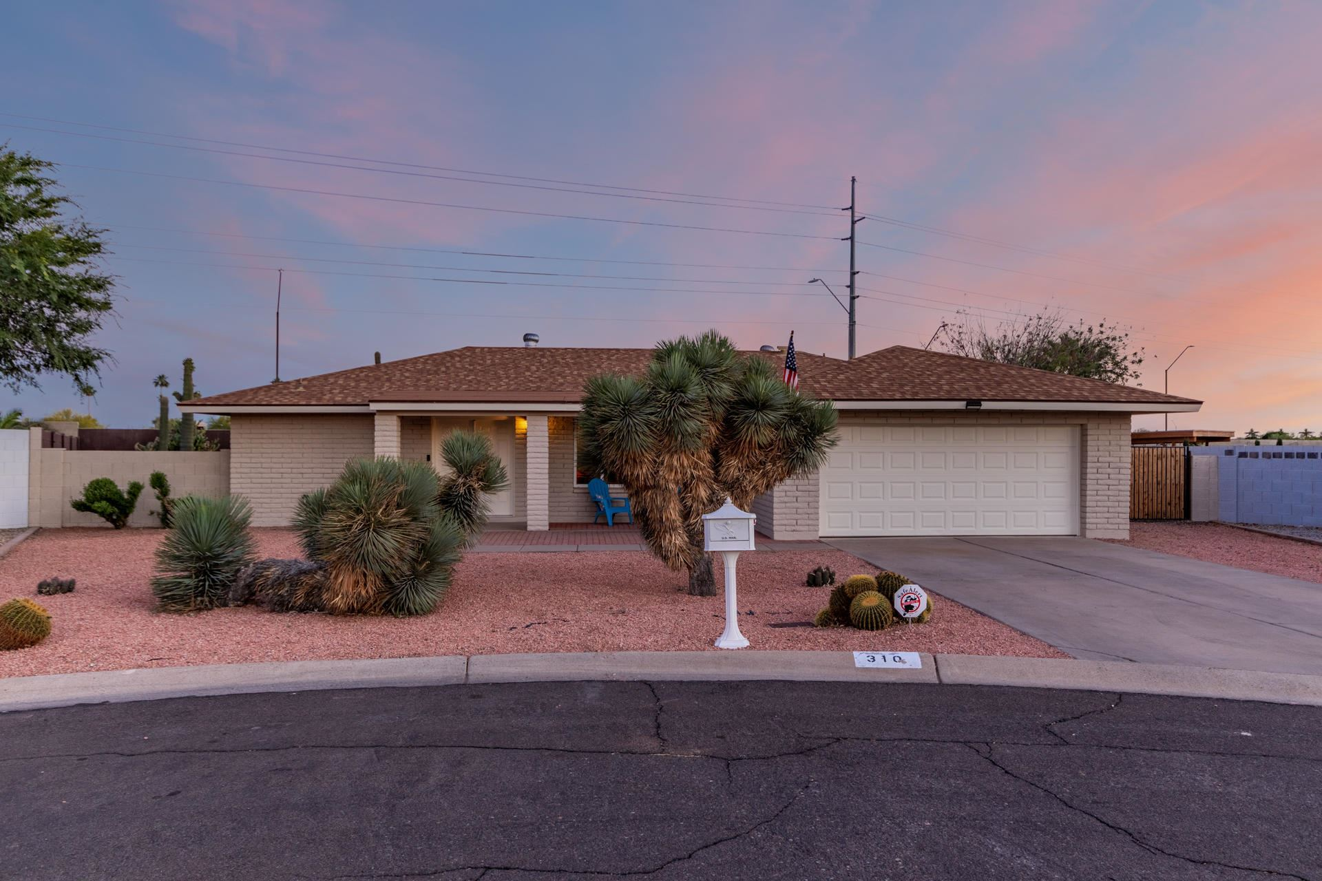 Photo of 310 S HACIENDA Circle, Litchfield Park, AZ 85340 (MLS # 6231904)