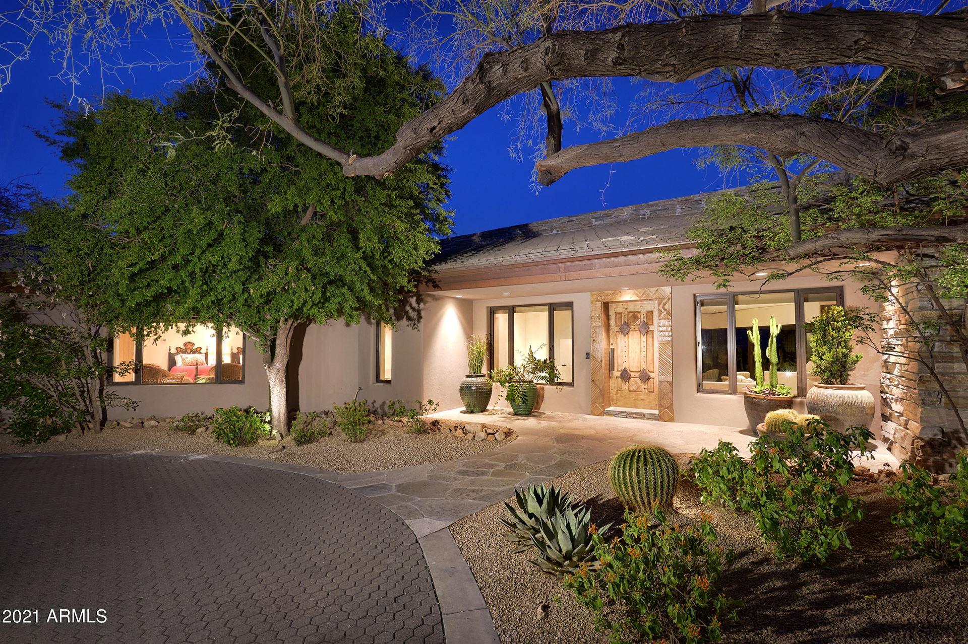 Photo of 6901 E Restin Road, Carefree, AZ 85377 (MLS # 6200909)