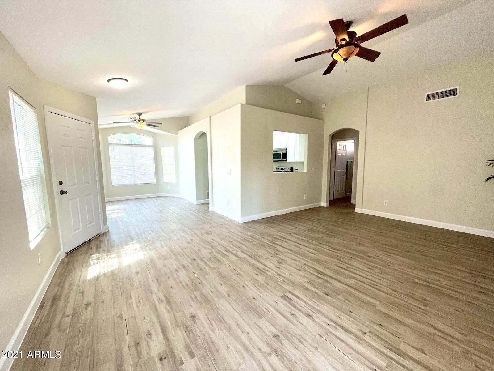 Photo of 1435 S SPARTAN Street, Gilbert, AZ 85233 (MLS # 6295914)