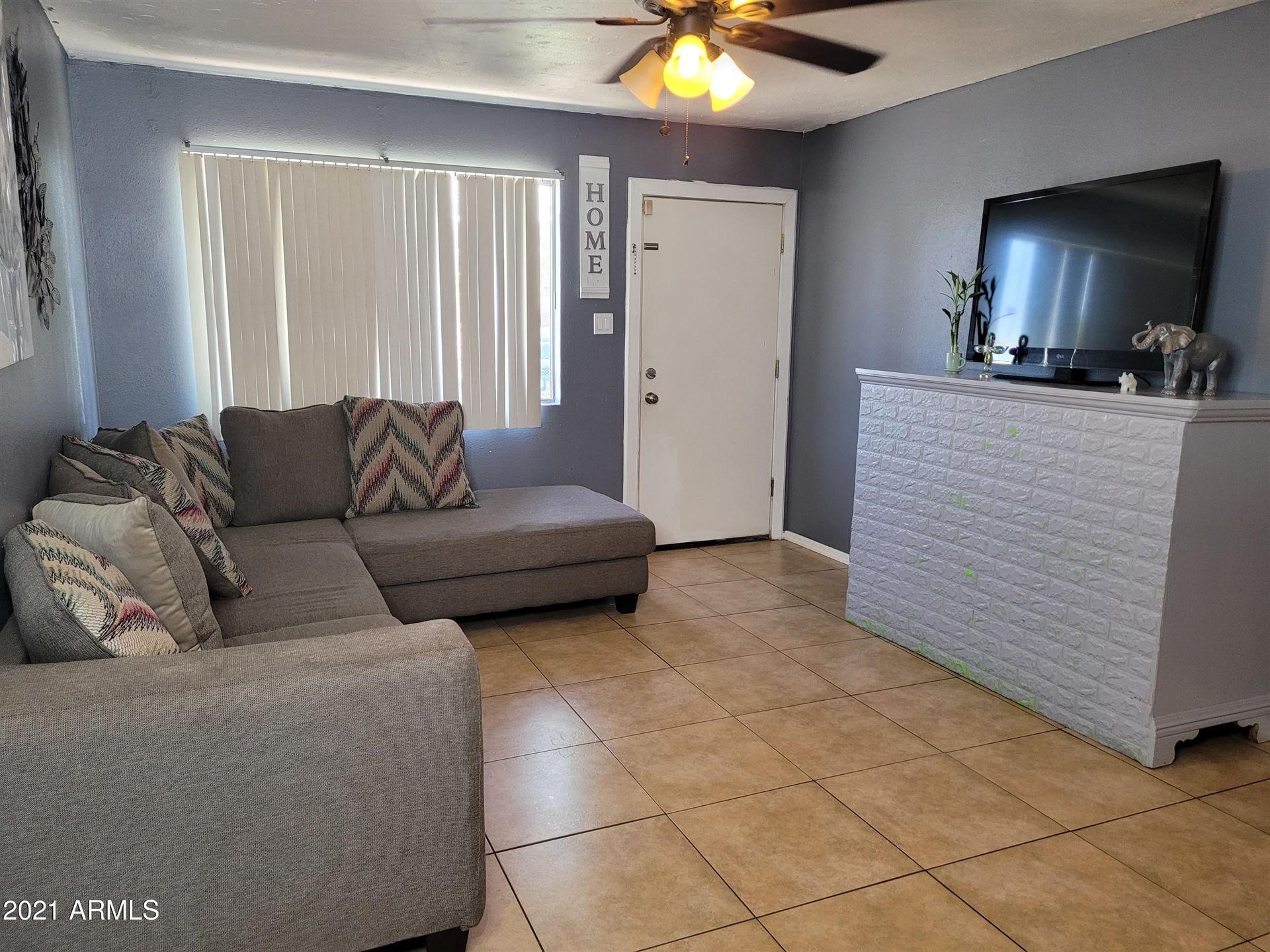 Photo of 6511 W PECK Drive, Glendale, AZ 85301 (MLS # 6231919)
