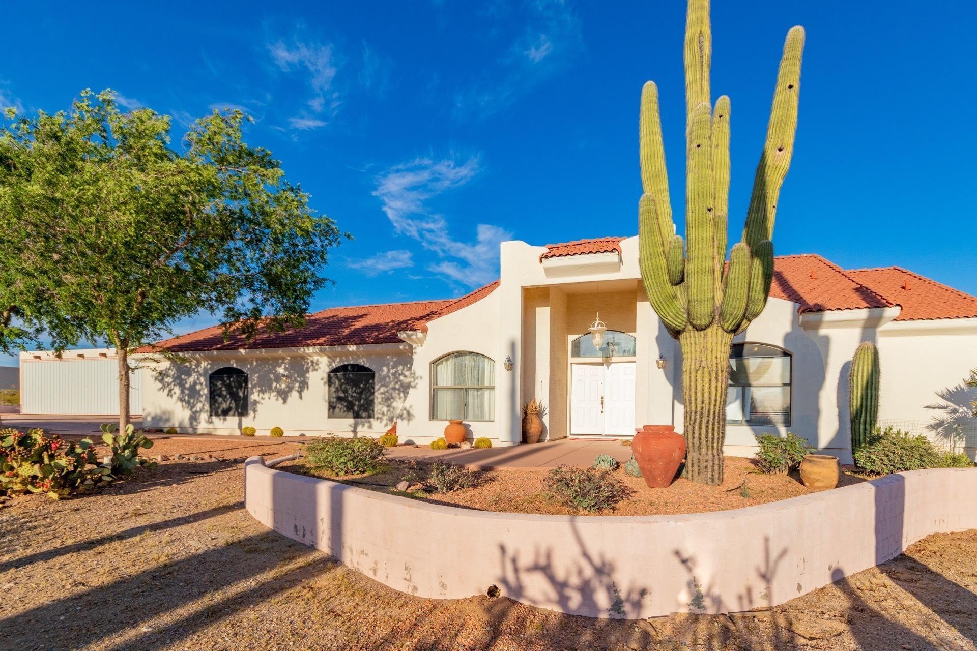Photo of 37529 N 237TH Avenue, Morristown, AZ 85342 (MLS # 6217923)