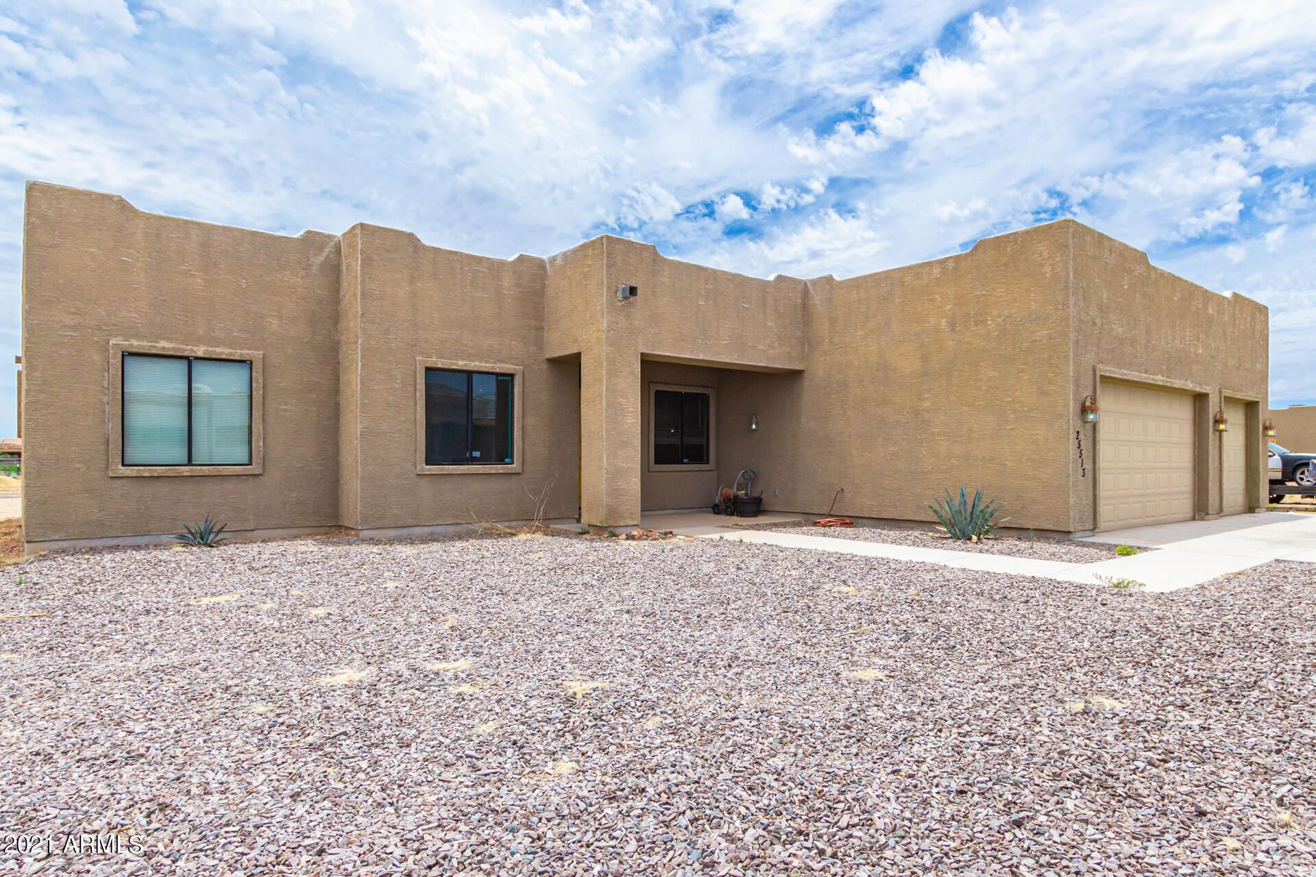 Photo of 25513 W HUNTER Drive, Wittmann, AZ 85361 (MLS # 6244928)